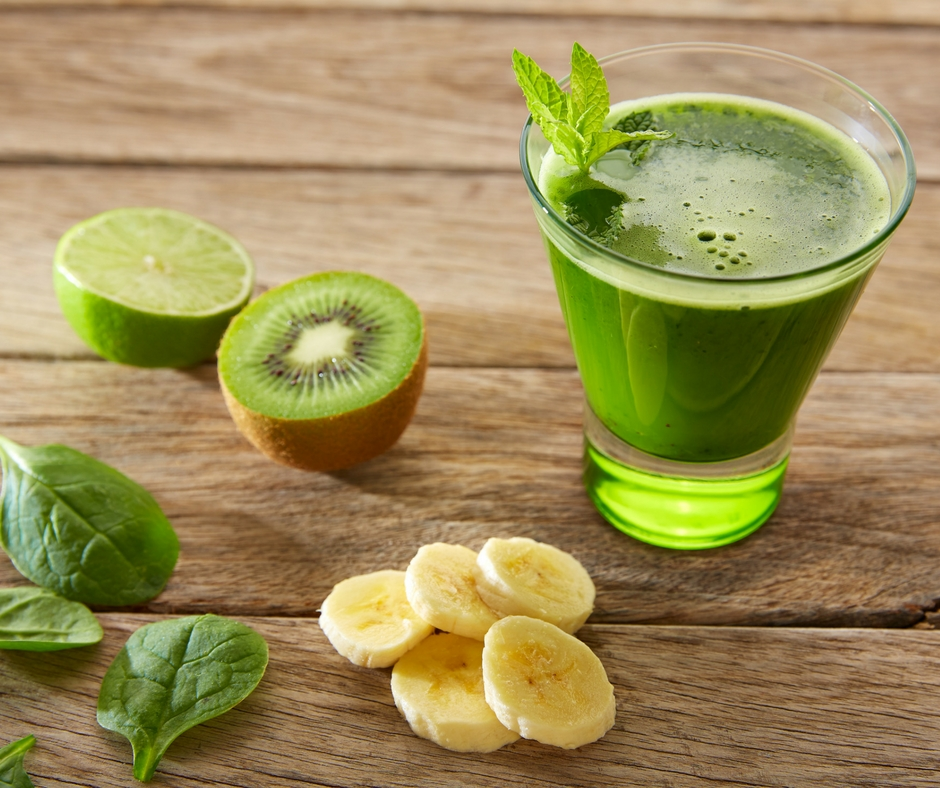 green-smoothie-with-fruit